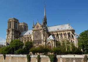Fiancata cattedrale di Notre-Dame a Parigi
